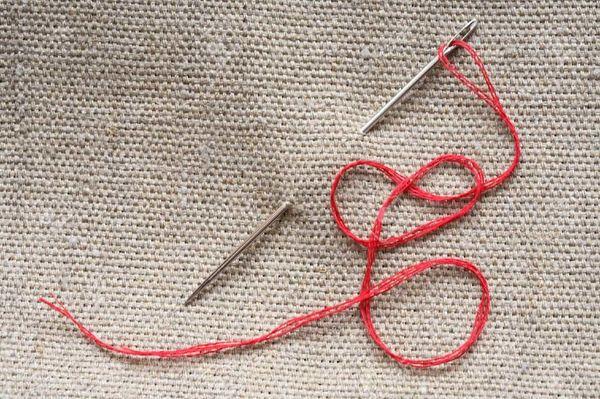 Гадание с помощью иголки и нитки