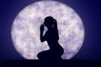 Приворот на растущую луну
