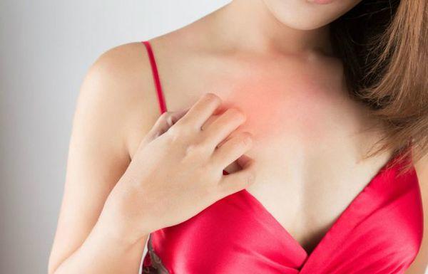 Чешется правая грудь