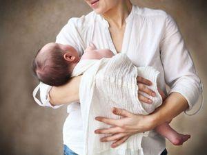 Чужой младенец на руках