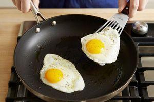 Готовить яйца во сне