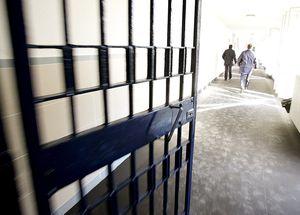 К чему снится что посадили в тюрьму