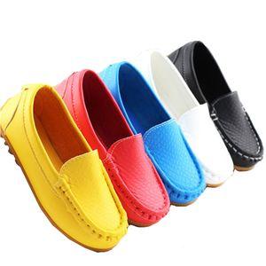 К чему снится обувь разного цвета