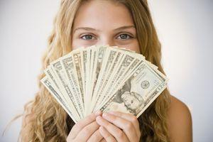 К чему снятся бумажные деньги женщине
