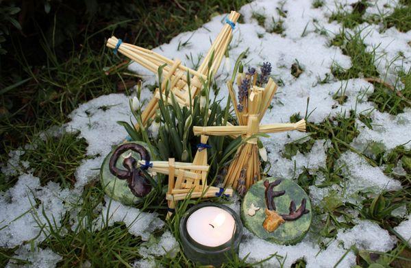 Крест богини и амулеты