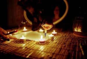 Лучшие любовные заклинания со свечами