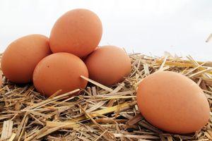 Приснились сырые куриные яйца