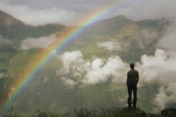 Видеть радугу мужчине
