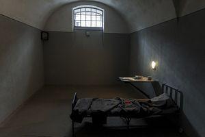 Во сне сажают в тюрьму