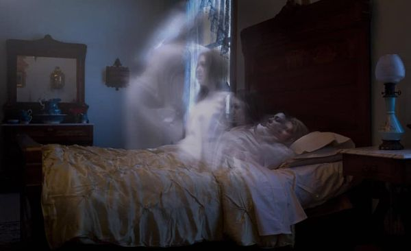 человек становится призраком