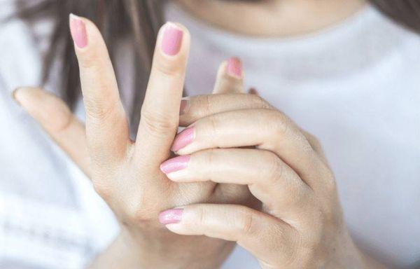 чешутся пальцы на рук