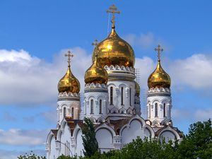 красивая церковь