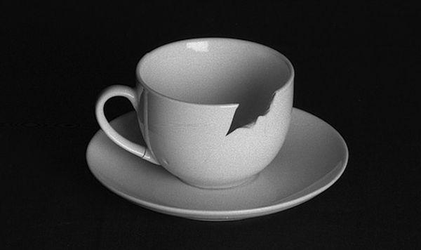 лопнувшая чашка