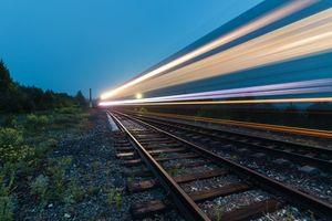проезжающий поезд во сне