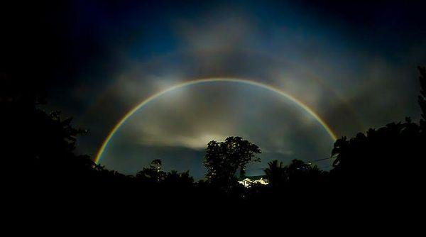 радуга ночью