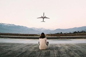 самолет очень далеко