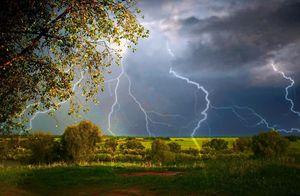 весенние дожди и грозы