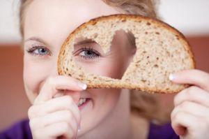 видеть хлеб во сне женщине