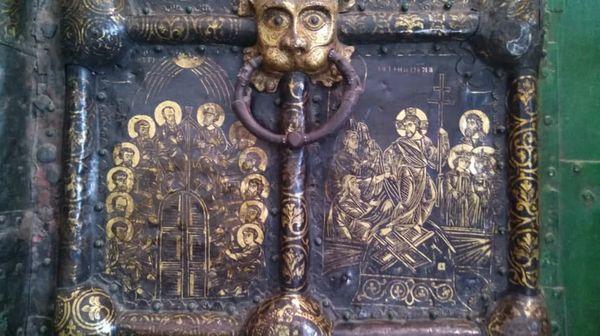 врата Рождественского собора